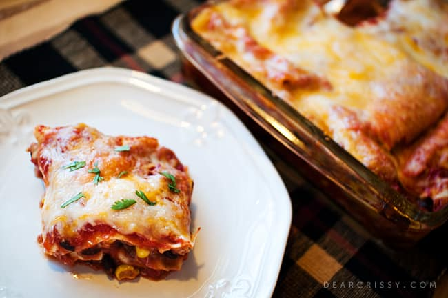 Mexican Lasagna Recipe - This easy Mexican lasagna recipe uses no-boil noodles and makes a great family dinner on busy weeknights.
