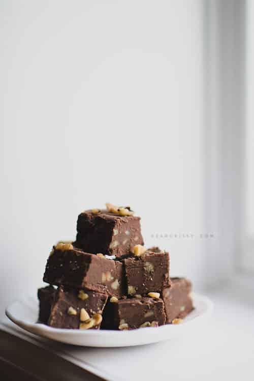 Chocolate walnut fudge bites