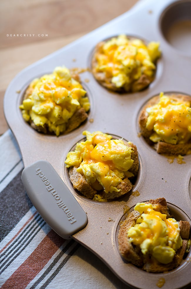 Egg and toast cups with cheese