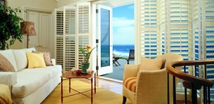 Window_Shutter_HunterDouglas_Living Room_00158H