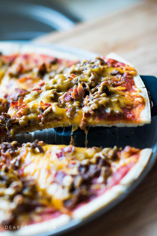 Bacon Cheeseburger Pizza - This pizza is a family favorite and so simple to make thanks to @Ragusauce! | #Saucesome #ad