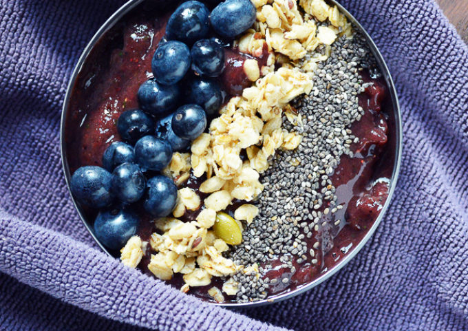 Market Fresh Smoothie Bowl - Eat your fruits and veggies in this beautiful and delicious smoothie bowl recipe!