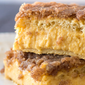 Pumpkin Sopapilla Cheesecake Bars Recipe - These dreamy bars are one of my favorite pumpkin dessert recipes of the season. Make it using refrigerated dough!