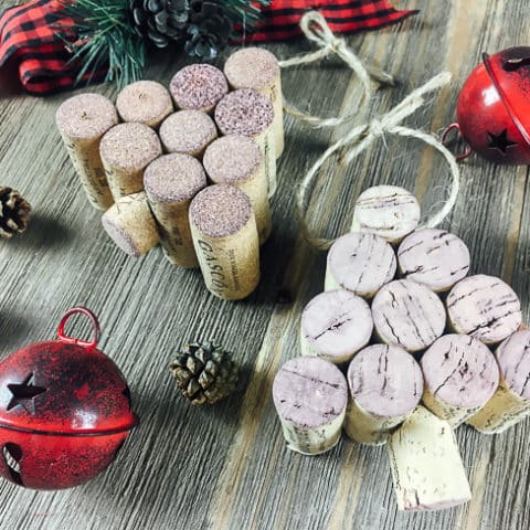 DIY Wine Cork Christmas Tree Ornament - This easy DIY ornament is so fun and festive for the holiday season!