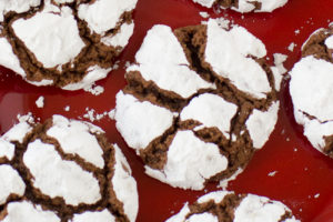 chocolate-crinkles-cookies-2