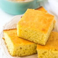 Easy Buttermilk Corn Bread Recipe - This simple homemade corn bread is a winner every time!