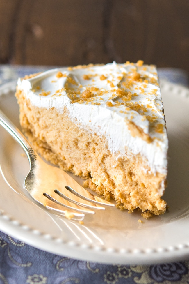 Easy Peanut Butter Pie Recipe - One Pinner said this easy peanut butter pie is the BEST dessert she