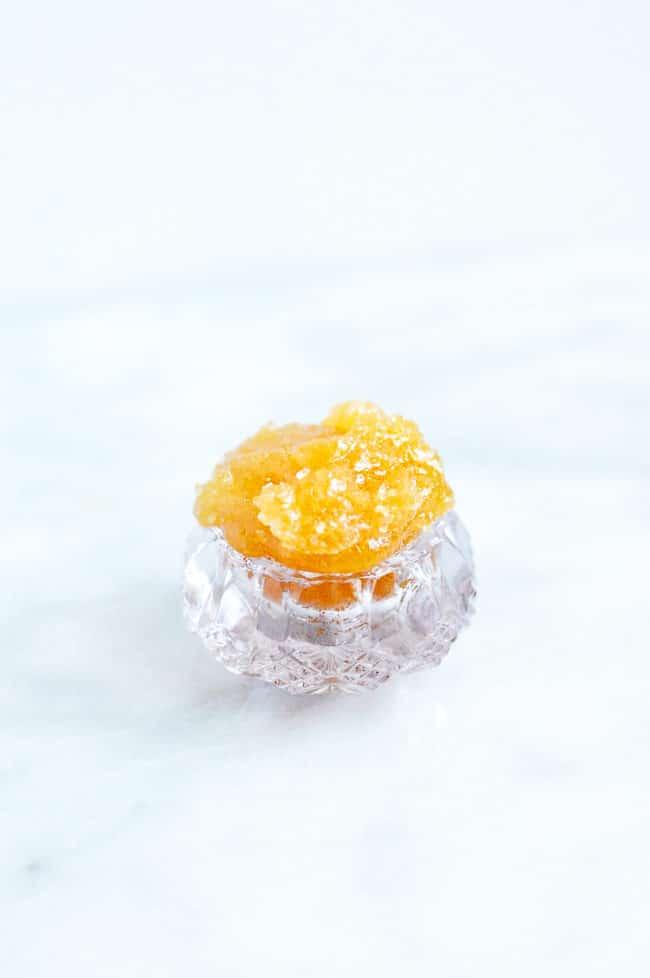 DIY Exfoliating Lip Scrub | Coconut Oil Lip Scrub | Sugar Scrub | Easy Homemade Lip Scrub | Lip Exfoliator | DIY Beauty