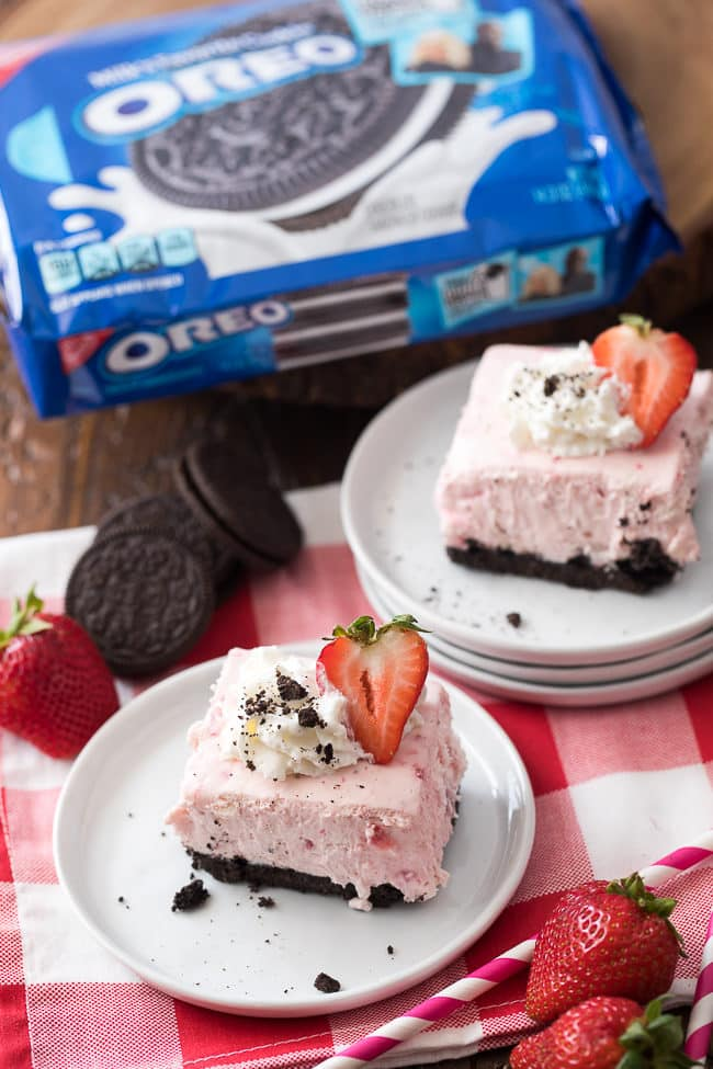 These OREO Strawberry Smoothie Cheesecake Bars are easy, creamy and delicious!