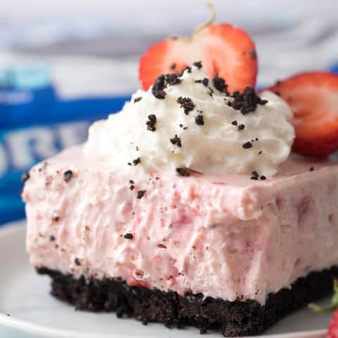 OREO Strawberry Smoothie Cheesecake Bars