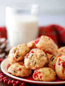Cherry Chocolate Nut Cookies Recipe - these tasty cookies are perfect for the holiday season! #cookies #christmascookies #holidaycookies