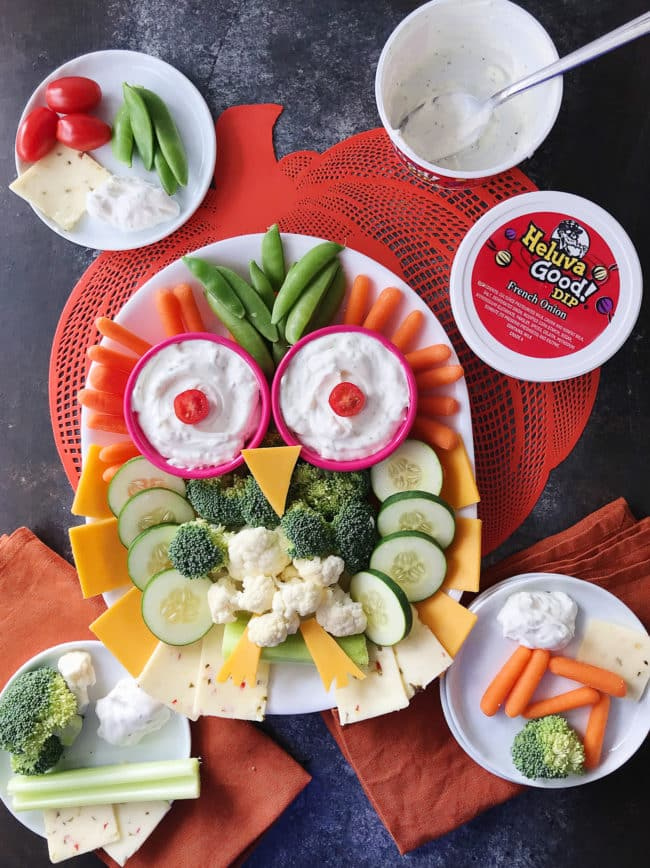 Owl Veggie Plate Recipe - this cute and fun owl veggie tray is the perfect party appetizer.