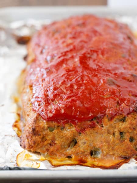 Ground Turkey Meatloaf - Healthy Turkey Meatloaf that's Easy to Make! #GroundTurkey #TurkeyMeatloaf #EasyDinner