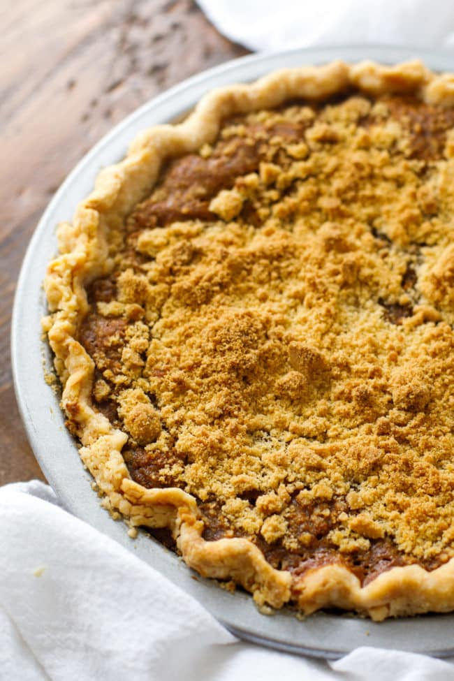 Old Fashioned Shoo Fly Pie