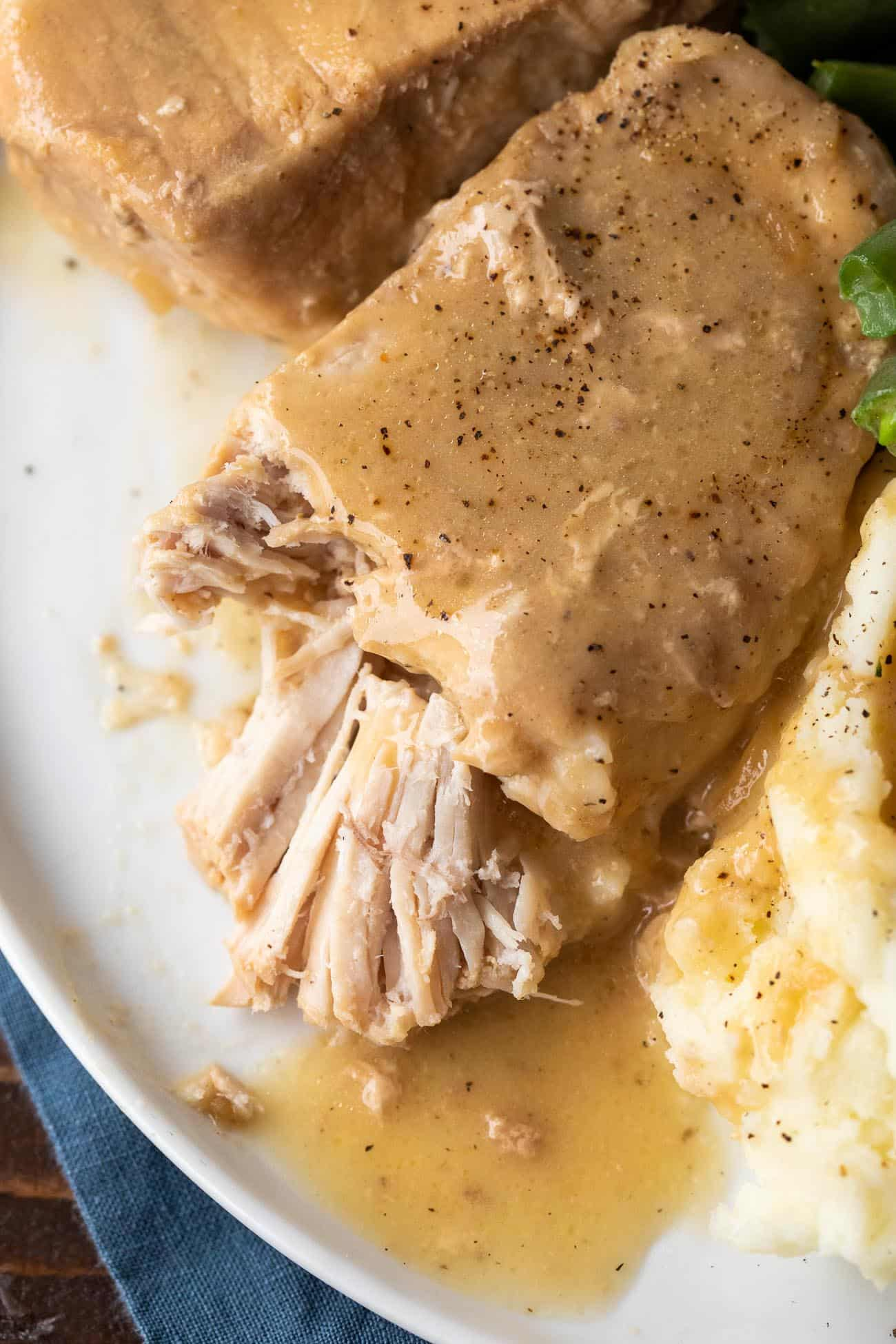 Crock Pot Pork Chops | Easy Slow Cooker Pork Chops | Boneless Pork Chops Crock Pot Recipe #CrockPot #SlowCooker #PorkChops #Gravy